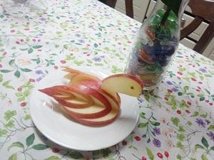 りんごの飾り切り!誰でも出来る白鳥の作り方!