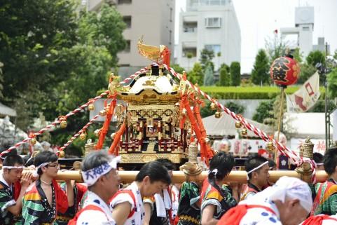 祭りの風景