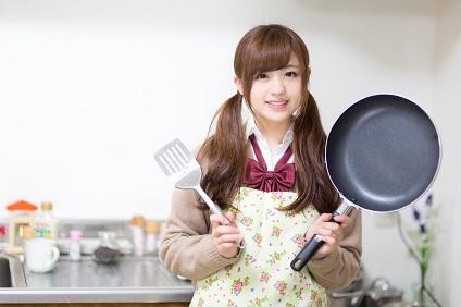 料理中女子